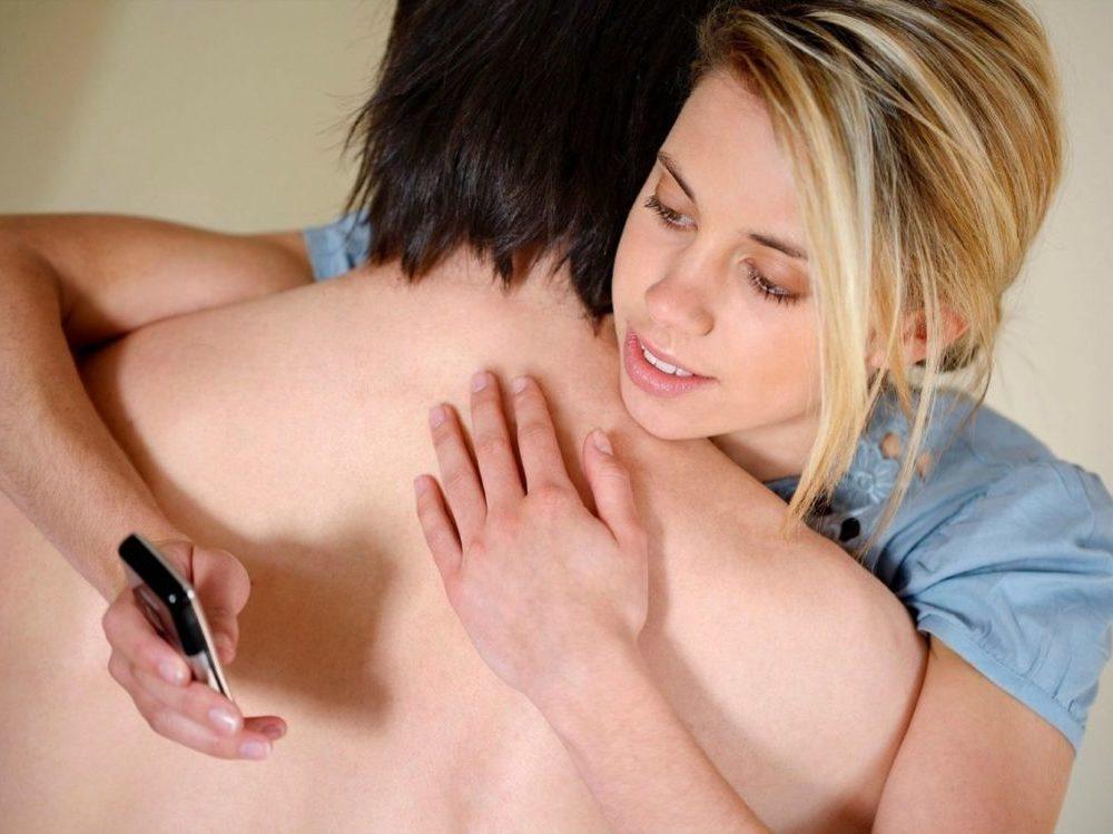 sex-love-life-2013-08-cheating-woman-main